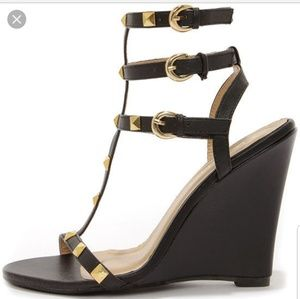 Liliana Jaida 8 Black And Gold Studded Wedge